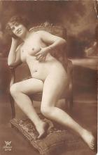 nud010032 - French Nude Postcard