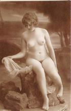 nud010060 - French Nude Postcard