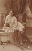 nud010088 - French Nude Postcard