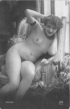 nud010090 - French Nude Postcard