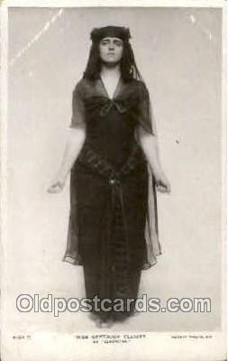 Miss Gertrude Elliott as Cleopatra