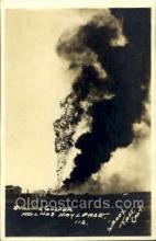 oil001002 - Taft California, USA Oil Wells Postcard Postcards