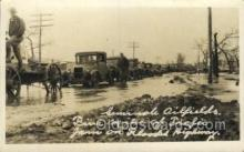 oil001028 - Oil Well, Oil fields, 5 miles of traffic on Flooded Highway, Postcard Postcards