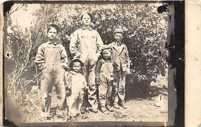 pht100109 - People and Children Photographed on Postcard, Old Vintage Antique Post Card