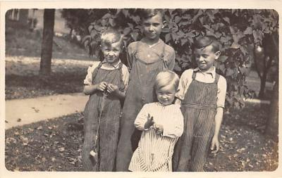 pht100112 - People and Children Photographed on Postcard, Old Vintage Antique Post Card
