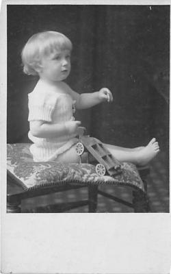 pht100139 - People and Children Photographed on Postcard, Old Vintage Antique Post Card