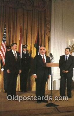 pol040094 - Jordon's King Hussein and Egyptian Prisident Hosni Murbarak Ronald Regan 40th USA President Postcard Postcards