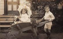 pht100048 - People and Children Photographed on Postcard, Old Vintage Antique Post Card