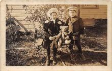 pht100056 - People and Children Photographed on Postcard, Old Vintage Antique Post Card