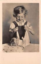 pht100160 - People and Children Photographed on Postcard, Old Vintage Antique Post Card