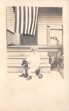pht100179 - People and Children Photographed on Postcard, Old Vintage Antique Post Card