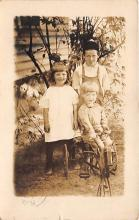 pht100193 - People and Children Photographed on Postcard, Old Vintage Antique Post Card