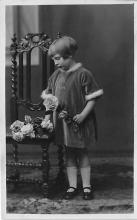 pht100440 - People and Children Photographed on Postcard, Old Vintage Antique Post Card