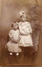 pht100477 - People and Children Photographed on Postcard, Old Vintage Antique Post Card