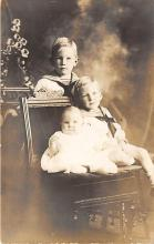 pht100494 - People and Children Photographed on Postcard, Old Vintage Antique Post Card