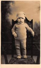 pht100550 - People and Children Photographed on Postcard, Old Vintage Antique Post Card