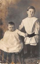 pht100554 - People and Children Photographed on Postcard, Old Vintage Antique Post Card