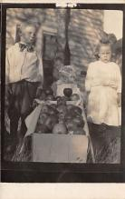 pht100572 - People and Children Photographed on Postcard, Old Vintage Antique Post Card