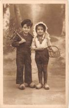 pht100659 - People and Children Photographed on Postcard, Old Vintage Antique Post Card