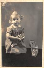 pht100665 - People and Children Photographed on Postcard, Old Vintage Antique Post Card