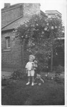 pht100670 - People and Children Photographed on Postcard, Old Vintage Antique Post Card
