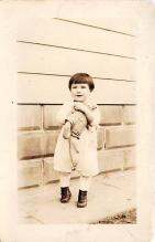 pht100678 - People and Children Photographed on Postcard, Old Vintage Antique Post Card