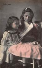 pht200016 - People and Children Photographed on Postcard, Old Vintage Antique Post Card
