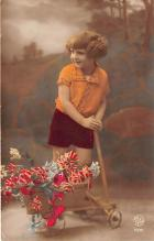 pht200021 - People and Children Photographed on Postcard, Old Vintage Antique Post Card