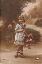 pht200032 - People and Children Photographed on Postcard, Old Vintage Antique Post Card