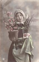 pht200043 - People and Children Photographed on Postcard, Old Vintage Antique Post Card