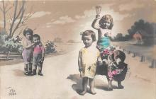 pht200049 - People and Children Photographed on Postcard, Old Vintage Antique Post Card