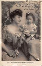 pht200065 - People and Children Photographed on Postcard, Old Vintage Antique Post Card