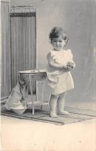 pht200068 - People and Children Photographed on Postcard, Old Vintage Antique Post Card
