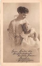 pht200069 - People and Children Photographed on Postcard, Old Vintage Antique Post Card