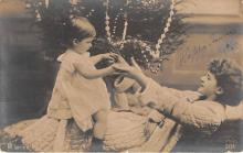 pht200070 - People and Children Photographed on Postcard, Old Vintage Antique Post Card