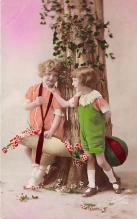 pht200085 - People and Children Photographed on Postcard, Old Vintage Antique Post Card