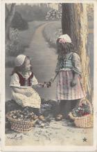 pht200118 - People and Children Photographed on Postcard, Old Vintage Antique Post Card