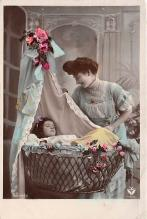 pht200149 - People and Children Photographed on Postcard, Old Vintage Antique Post Card