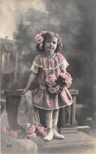 pht200158 - People and Children Photographed on Postcard, Old Vintage Antique Post Card