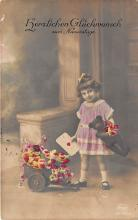 pht200210 - People and Children Photographed on Postcard, Old Vintage Antique Post Card
