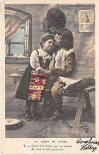pht200234 - People and Children Photographed on Postcard, Old Vintage Antique Post Card