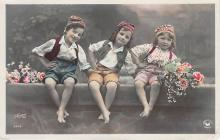pht200274 - People and Children Photographed on Postcard, Old Vintage Antique Post Card