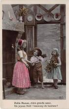 pht200282 - People and Children Photographed on Postcard, Old Vintage Antique Post Card