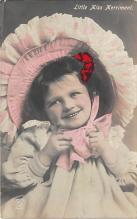 pht200365 - People and Children Photographed on Postcard, Old Vintage Antique Post Card