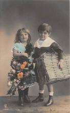 pht200408 - People and Children Photographed on Postcard, Old Vintage Antique Post Card