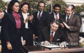 pol040012 - A nation holiday Ronald Regan 40th USA President Postcard Postcards