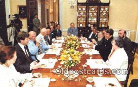 pol040028 - Soviet dissidents Ronald Regan 40th USA President Postcard Postcards
