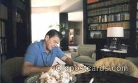 pol040031 - Ronald Regan 40th USA President Postcard Postcards