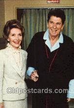 pol040106 - A Pajama-Clad Ronald Regan 40th USA President Postcard Postcards