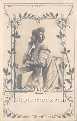 Blanche Miroir